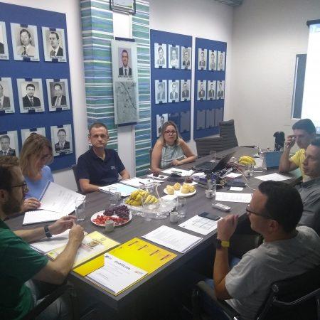 CDL realiza reunião mensal da Diretoria